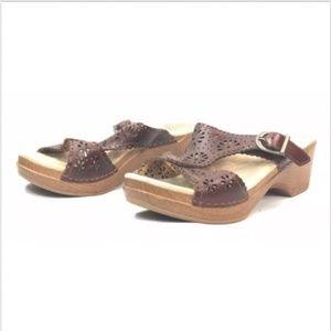 Dansko Cut Out Design Thong Slides Heels Sandals.